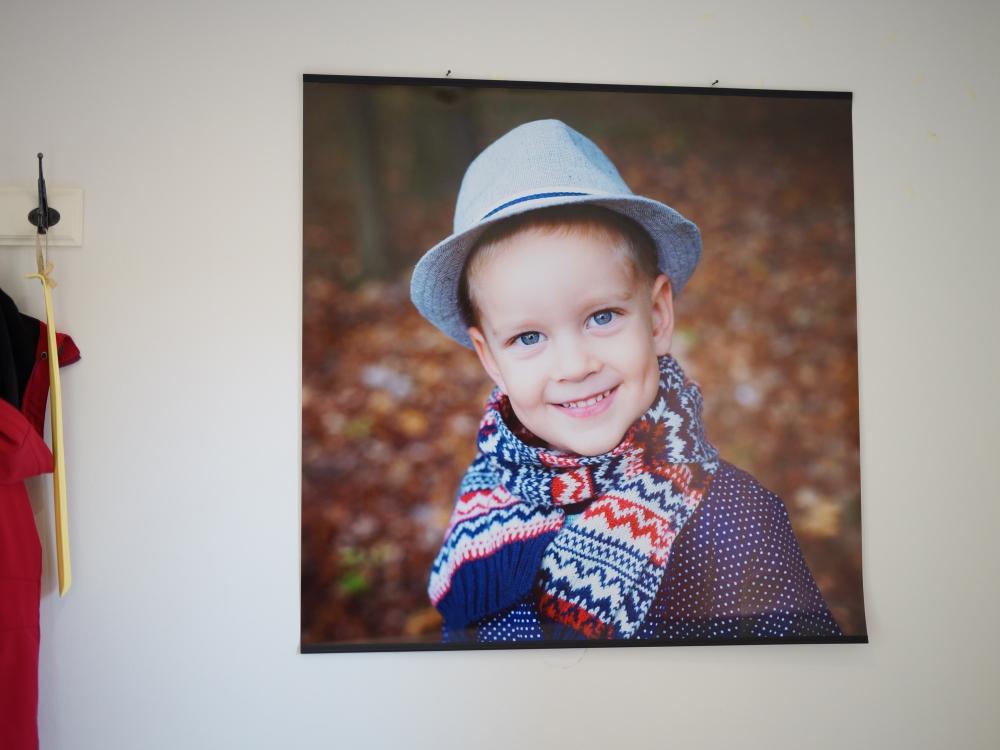 Fotografie na zeď - Velkoplošná fotografie na zeď - značkový fotopapír 260g/m2 - včetně lišt a háčků